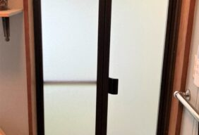 【O様邸/浴室の引戸を折戸に!】
